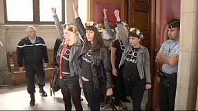 Femen: a Parigi processo rinviato,
