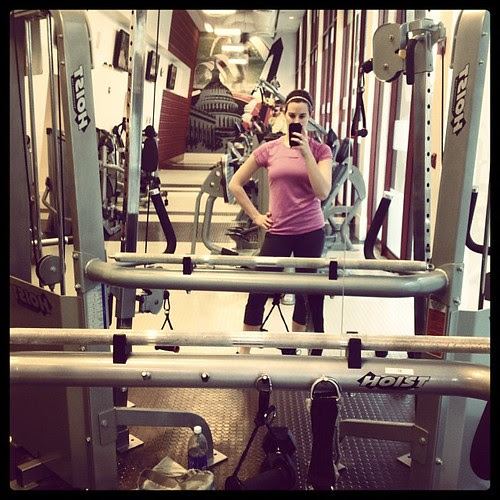 Playing with the cable machine as part of my @epfitnessprep workout. #latergram #fitness