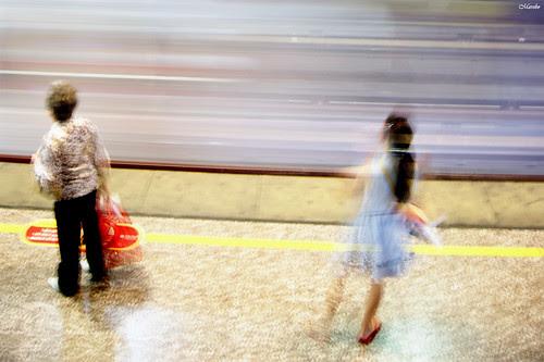 Desde el metro, 31-12-2011 by Alejandro Bonilla