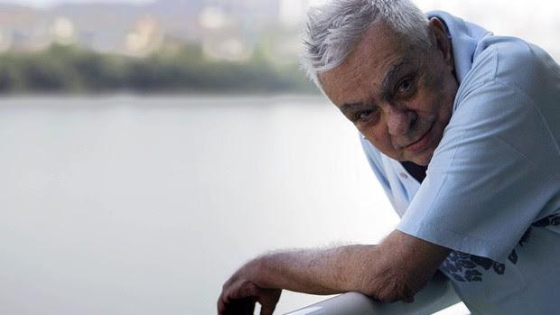 Chico Anysio em 2009, depois de conceder entrevista em seu apartamento na Barra da Tijuca, Zona Oeste do Rio de Janeiro (Foto: Aline Massuca/AE)