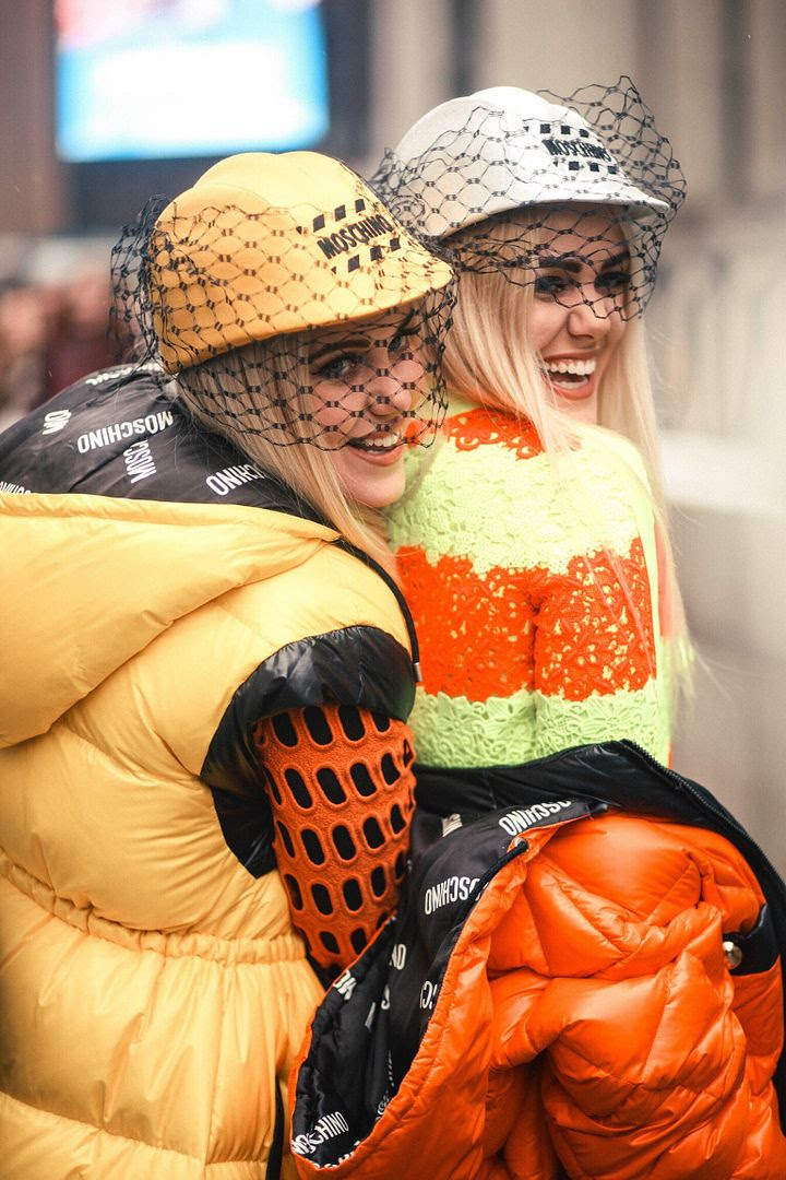 photo Beckermanblog-beckermangirls-moschino-jeremyscott-Fall2016-NYFW-2_zpsi78ujja4.jpg