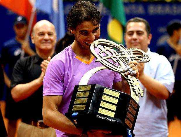 Rafael Nadal troféu Brasil Open tênis (Foto: Gaspar Nobrega / Inovafoto)