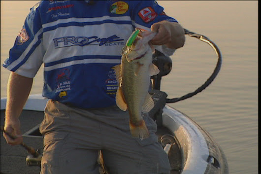 Top Water Bass Fishing with Crankbaits
