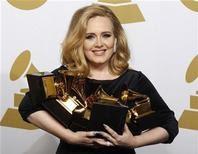 Adele vence em todas as categorias para as quais fora indicada no Grammy