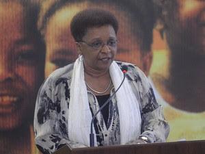 A ministra da Secretaria de Políticas de Promoção da Igualdade Racial, Luiza Bairros, discursa durante anúncio de ações para as comunidades quilombolas, no Planalto (Foto: Wilson Dias/ABr)