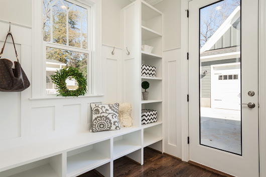 What is a mudroom? 7 design ideas