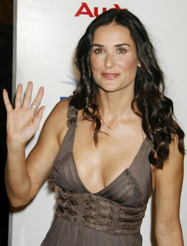 Late Update : Demi Moore in 'Absolute Shock' Over Dead Man in Her Pool