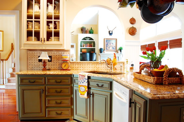 Industrious DIYers use antique furniture, collections and warm ...