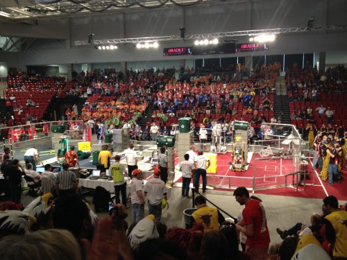 Top 10 Differences Between High School Sports and Robotics