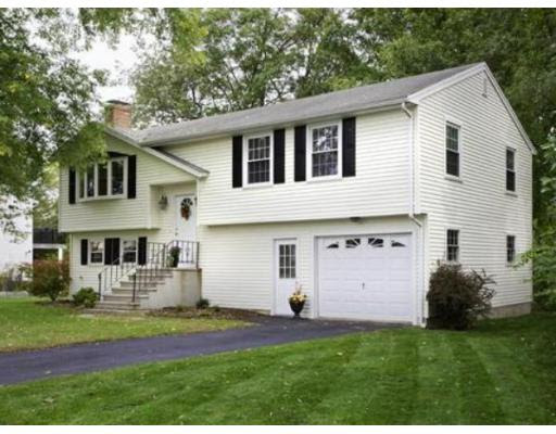 12 Stonebridge Cir, Natick - Wellesley Real Estate
