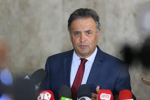 Brasília - Entrevista coletiva do Senador Aecio Neves, após encontro com o presidente Michel Temer (Valter Campanato/Agência Brasil)