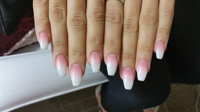 Short Coffin Nails Pink And White Ombre