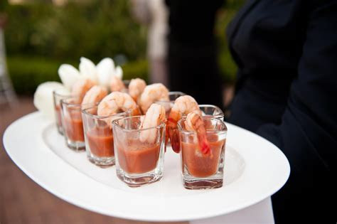 Cocktail Hour Ideas: Wedding Appetizers Guests Will Love
