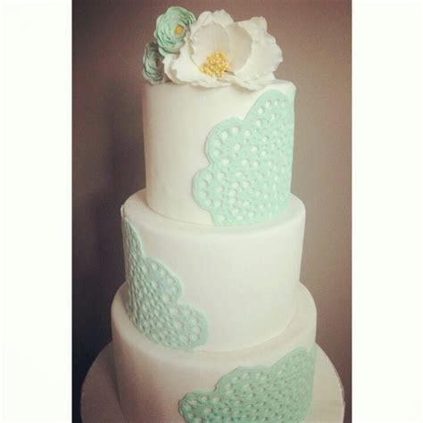 Lace doily wedding cake   :Glenwood Bakehouse: // a