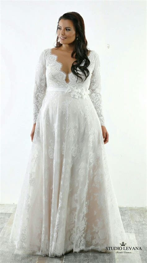 Perfect light romantic plus size wedding gown. French lace