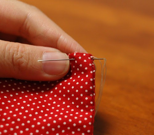 How to make a button pouch with two pockets 18