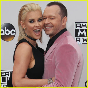 Jenny McCarthy Pens Love Note to Husband Donnie Wahlberg
