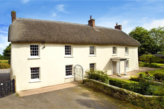 Wonderful homes that benefit from extra cottages, annexes or flats ….