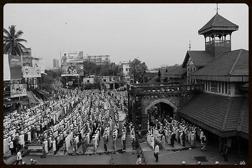 Eid Al Adha Namaz 2013 Bandra Station Road by firoze shakir photographerno1