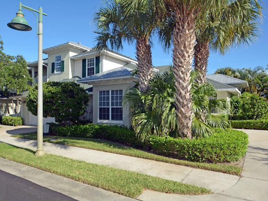 2 bed / 2 baths  Condo/Townhouse in Vero Beach for $275,000