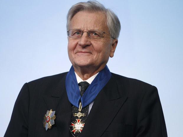 Presidente do  Banco Central Europeu recebe homenagem em Varsóvia (Foto: Reuters)