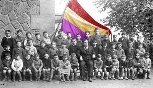 Homenaje a los maestros represaliados por el fascismo