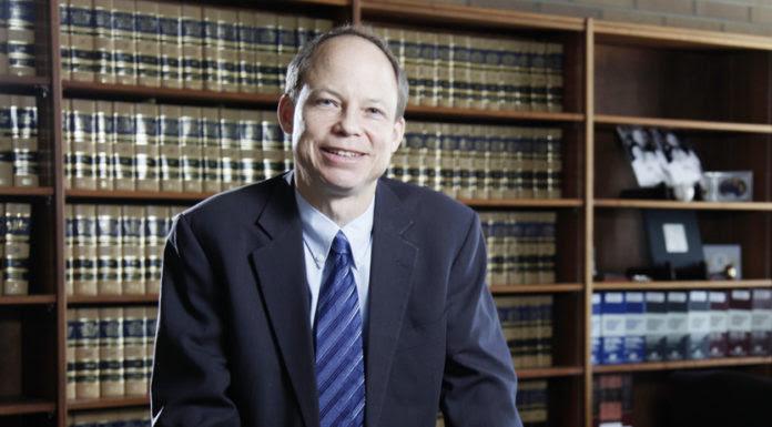 Chánh Án Aaron Persky, người ra bản án quá nhẹ đối với tội phạm hiếp dâm. (Hình: Jason Doiy/The Recorder via AP, File)