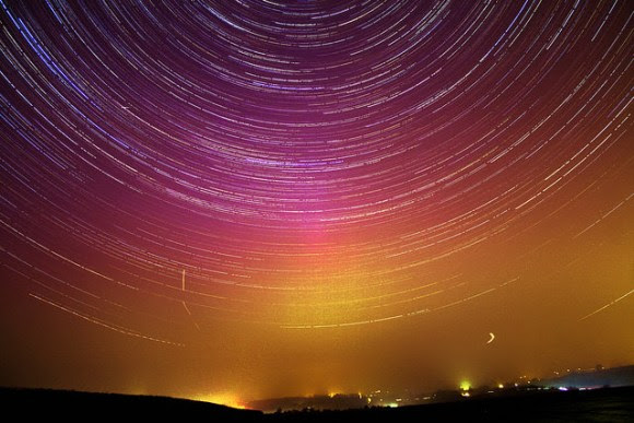 90 Minute Aurora Star Trails as seen from the UK on March 17, 2015. Credit and copyright: Mary Spicer.