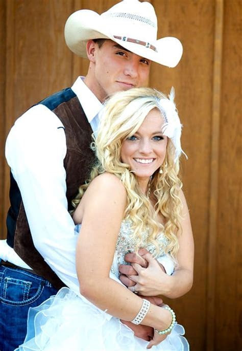 Mackenzie Douthit: Pregnant With Baby Girl!   The
