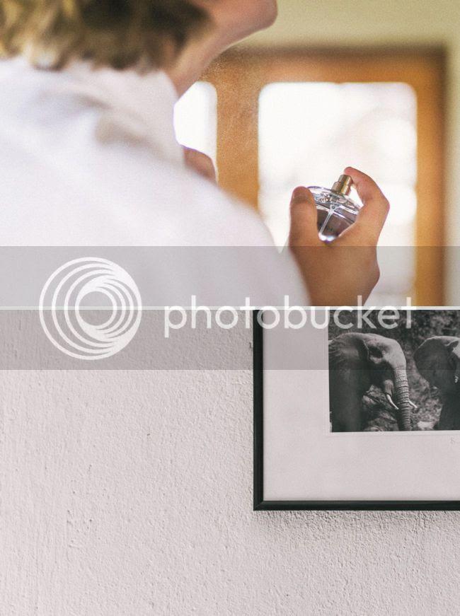 http://i892.photobucket.com/albums/ac125/lovemademedoit/welovepictures%20blog/BushWedding_Malelane_018.jpg?t=1355997545