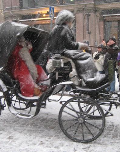 Joulupukki ajelulla by Anna Amnell
