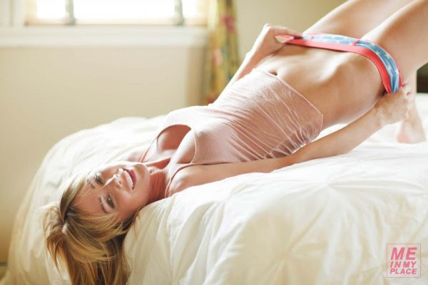 Sara Jean Underwood me in my place