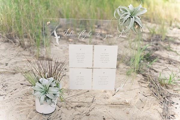 Circle Seating Arrangement For Beach Wedding: DIY Modern Beach Wedding Seating Chart