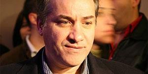 O médico Waldyr Muniz, primeiro comprador do iPhone lançado no Brasil (Foto: Renato Bueno/G1)
