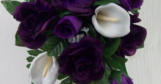 PuRPLe RoSeS WHiTe CaLLa LiLieS CaSCaDe STyLe 2 PieCe Bridal Bouquet aND GRooMS FLoWeR