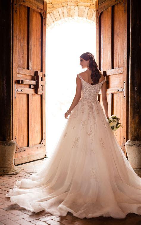 Wedding Dresses   Off the Shoulder Princess Wedding Gown