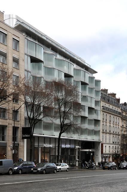 Paris, Renaissance Wagram Hotel. Christian de Portzamparc