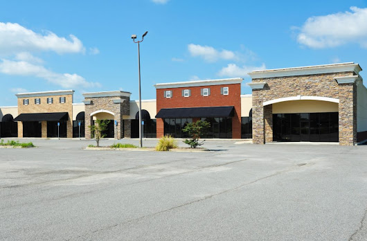 How Your Business Can Stand Out in a Strip Mall | HAUGHN & ASSOCIATES, INC.