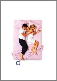 src=/files/Image/SxeseisKaiSex/2014/LOVEQUIZ/couples_sleeping_positions_3.jpg