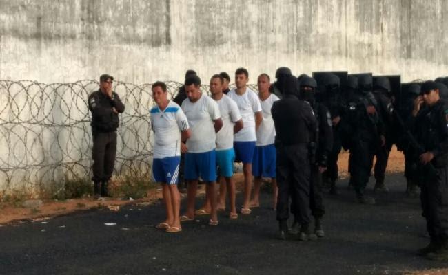 Cinco presos que comandaram rebelião sangrenta são transferidos de Alcaçuz