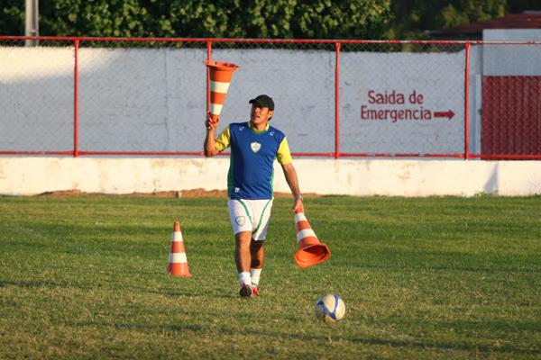O técnico Maurílio Silva, do Alecrim sabe que uma nova derrota pode ameaçar seu projeto no clube