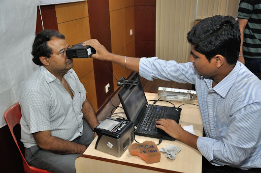 Aadhaar: India's billion-person biometric database is the world's biggest privacy experiment | Privacy Online News
