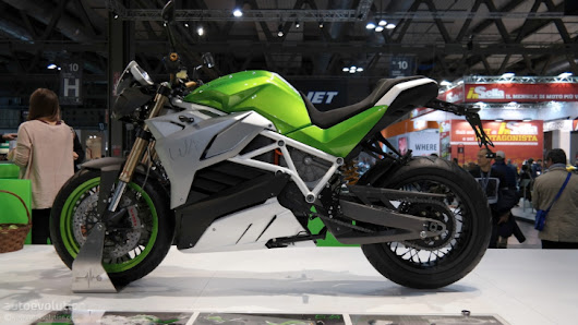 2015 Energica Eva Is the World's First Electric Super Naked at EICMA 2014 [Live Photos]