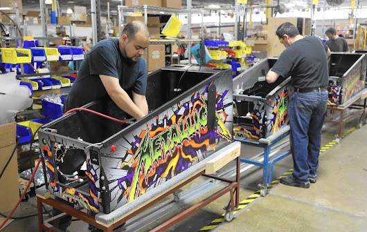 Barcades, baby boomers keep pinball machines rolling off assembly line