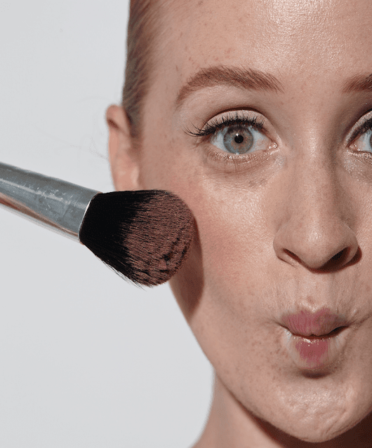Redhead Beauty: Unique Makeup Brushes Made with Redheads in Mind