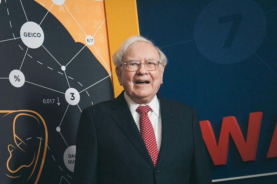 8 Best Warren Buffett Stocks of 2021 | Stock Market News | US News