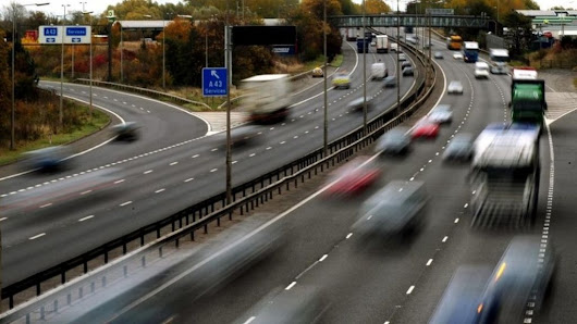 Learner drivers: Plan to include lessons on motorways - BBC News