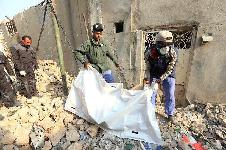 mosul, iraq, islamic state, dead bodies, mosul old city, isis, daesh, dead bodies, isis militants, indian express