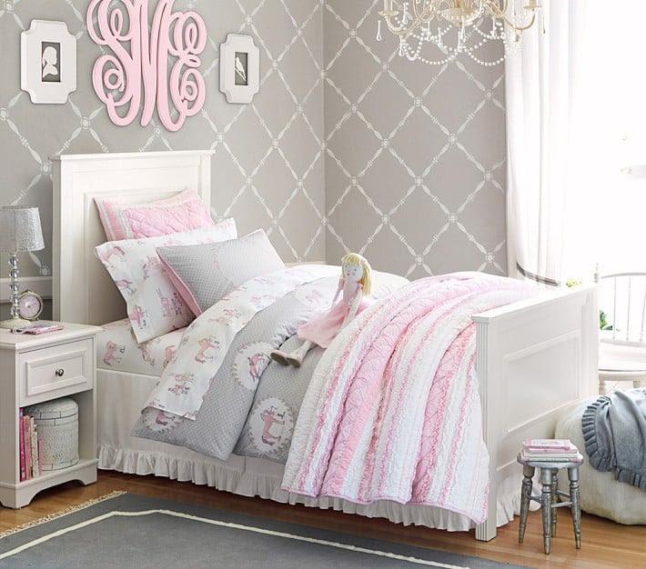 Patterned wallpaper Teenage girls bedroom ideas | 1 Happy Life