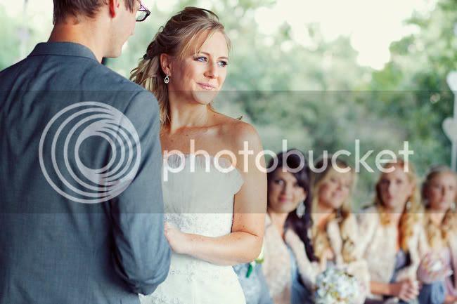 http://i892.photobucket.com/albums/ac125/lovemademedoit/PARRY_Ceremony_155.jpg?t=1319741479